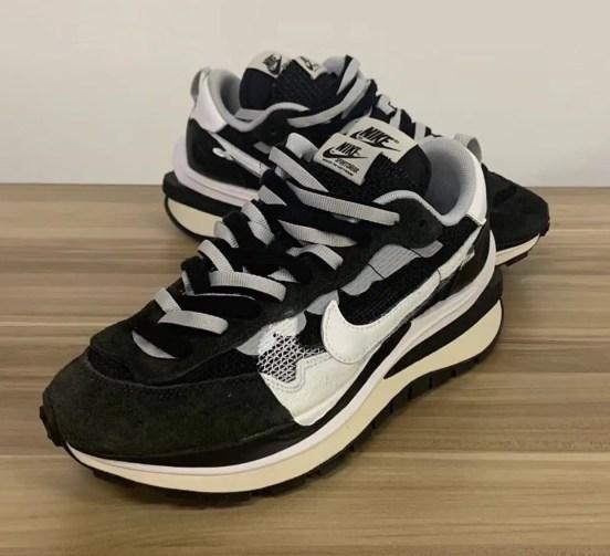 サカイ ナイキ ヴェイパーワッフル ブラック コラボ Sacai Nike VaporWaffle Black White Platinum CV1363-001