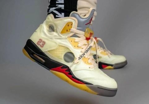 """オフホワイト × ナイキ エア ジョーダン 5 """"セイル"""" Off-White × Nike Air Jordan 5 """"Sail"""" DH8565-100 on-feet side"""