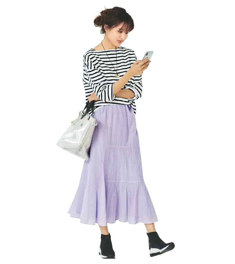 黒 スニーカー コーデ レディース 夏 おすすめ スカート Black Sneaker Outfit Women Summer