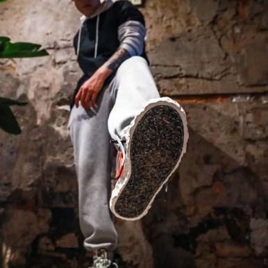 レディメイド × ナイキ ブレーザー ミッド/ ブラック READYMADE-Nike-Blazer-Mid-Black-CZ3589-001-on-foot-3