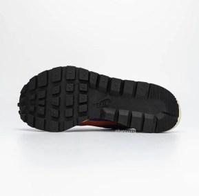 Sacai Nike VaporWaffle Dark Iris Campfire Orange サカイ ナイキ コラボ ヴェイパー ワッフル パープル オレンジ pair main detail