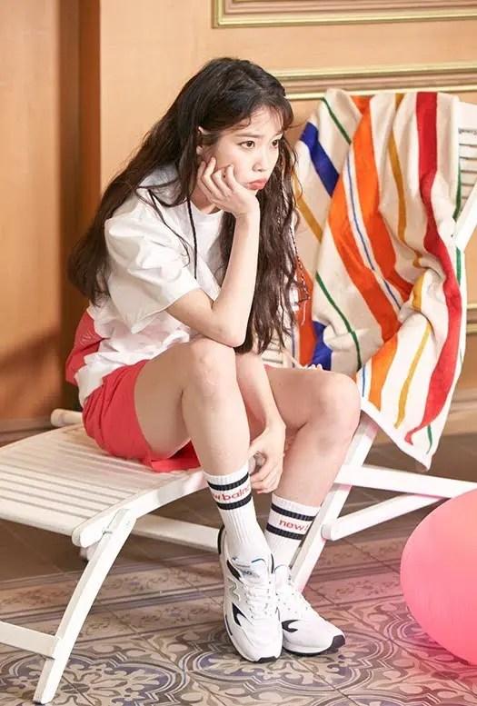ニューバランス アイユ 着用 韓国 スニーカー New-Balance-IU-Kpop-idol-artist-sneakers