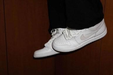 "Nike Air Jordan 1 High '85 ""Neutral Grey"" / ナイキ エアジョーダン 1 ハイ 85 ""ニュートラルグレー"" BQ4422-100 side wearing image pair"