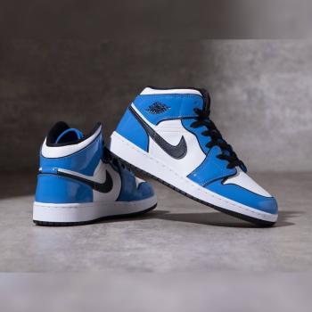 """ナイキ エア ジョーダン 1 ミッド """"シグナル ブルー"""" Nike-Air-Jordan-1-Mid-signal-blue-DD6834-402-eyecatch"""