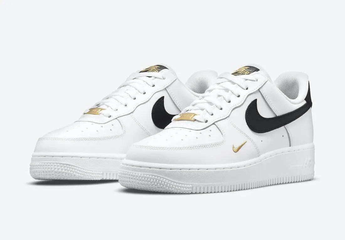 """ナイキ エア フォース 1 ロー """"ホワイト/ブラック/ゴールド"""" Nike-Air-Force-1-Low-White-Black-Gold-CZ0270-102-pair"""