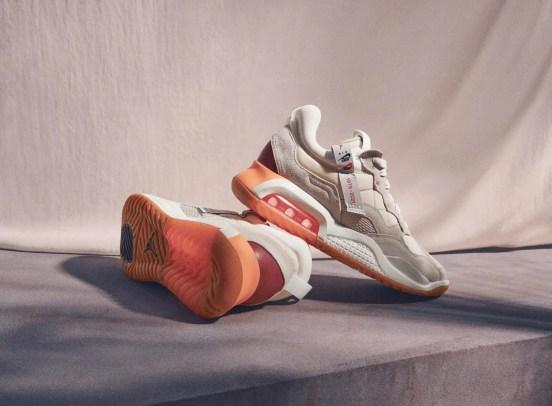 Nike-jordan-brand-ma-2-air-max-200-and-women-s-future-primal-apparel-sneaker-pair