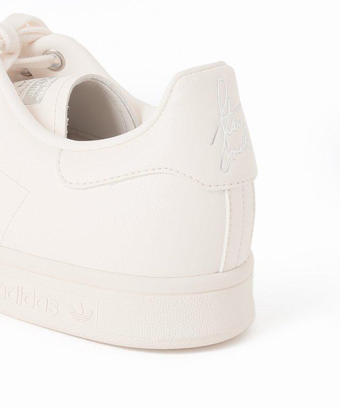 エディフィス/イエナ × アディダス オリジナルス スタンスミス EDIFICE-IENA-adidas-Originals-Stan-Smith-heel-closeup