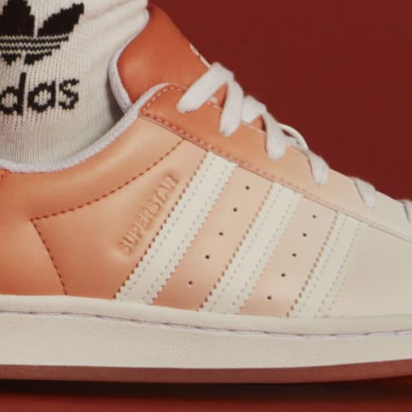 """アディダス ウィメンズ オリジナルス スーパースター """"ヘイジー コパー"""" adidas_Superstar_wmns_hazy-copper_GV7758-side-closeup"""
