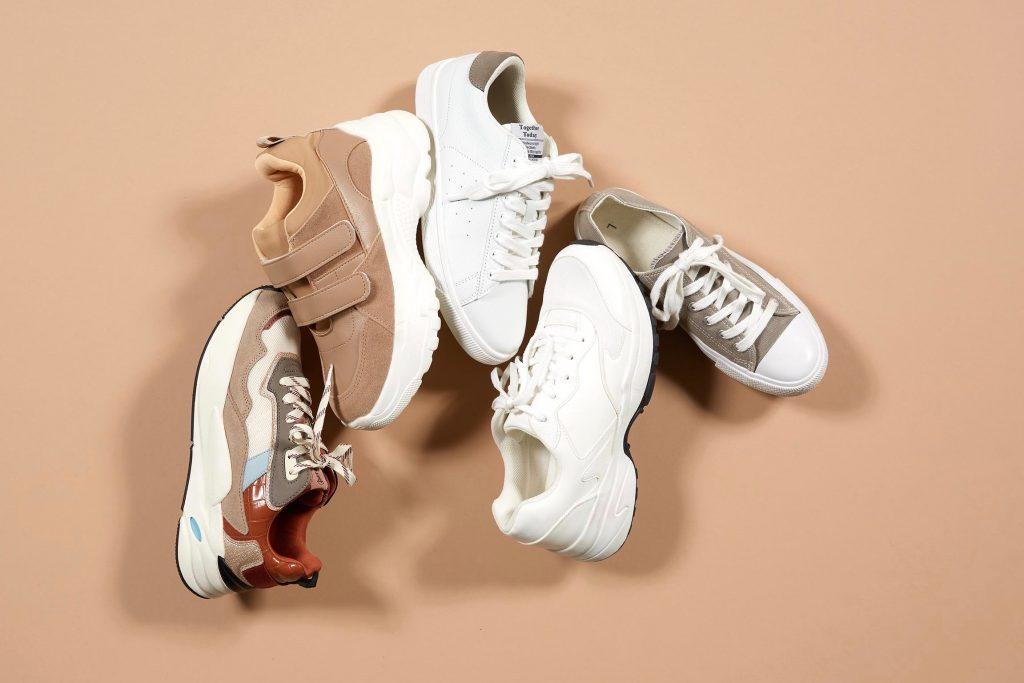 プチプラ スニーカー 人気 おすすめ ホワイト 白 ベージュ low cost sneakers beige white brown