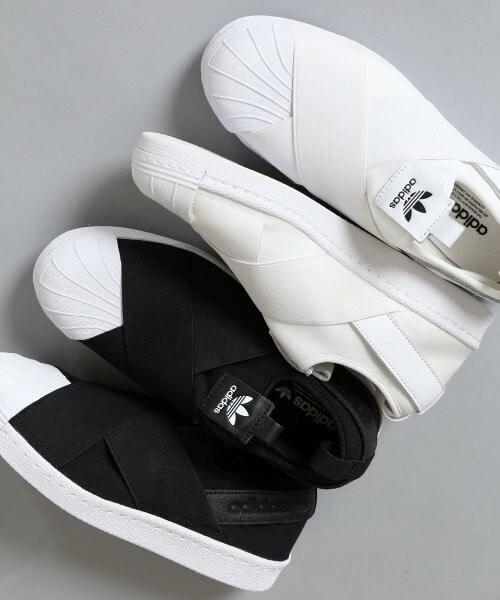 履き心地とお洒落さを両立!スリッポンなどの紐なしスニーカーはきれいめスタイルにおすすめ 2021-no-shoelace-sneakers-slip-ons-looks