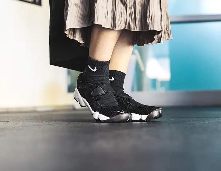 エアリフトに靴下を履く派が増加中!nike-air-rift-socks-style-with-socks