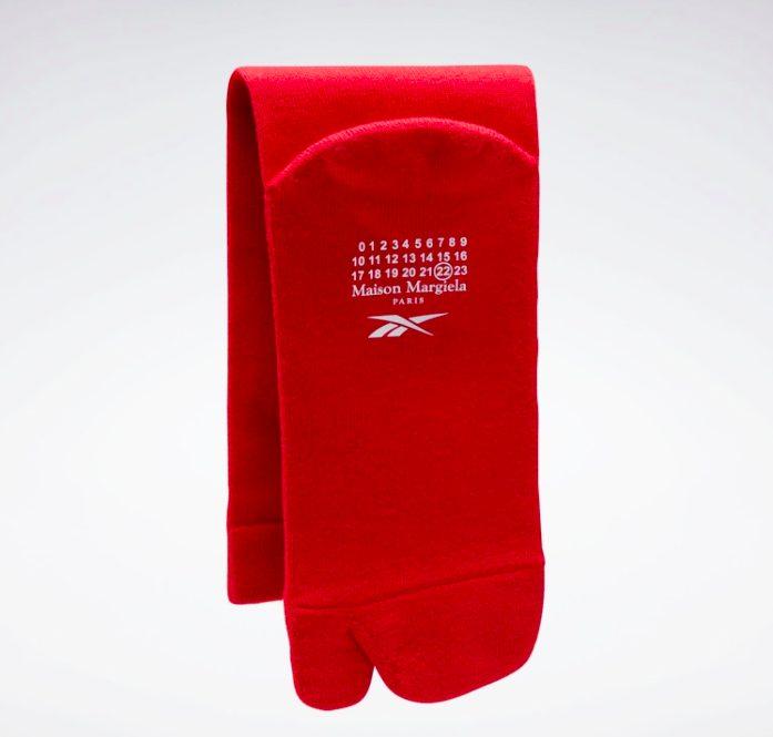 メゾン マルジェラ × リーボック クラシック レザー タビ レッド Maison-Margiela-Reebok-Classic-Leather-Tabi-Red-H04866-sock