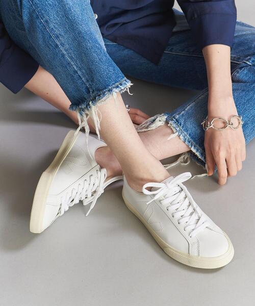 大人のきれいめスニーカーはvejaで決まり veja-sneakers-ladys-style-recommend