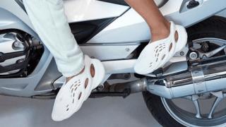 【なにコレwww】 adidas Yeezy Foam Runner【2020年発売】