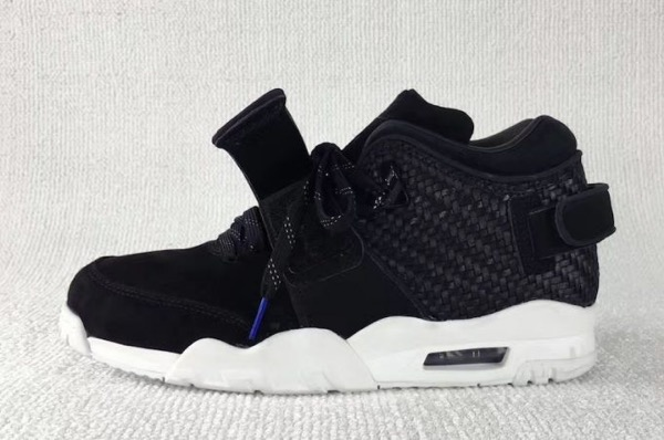 nike-air-trainer-cruz-black-suede-release-date-681x452