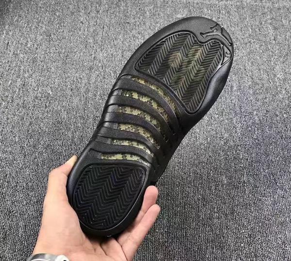 air-jordan-12-ovo-black-metallic-gold-5