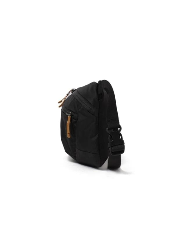 ARC'TERYX × BEAMS BLACK & GOLD CAPSULE COLLECTION