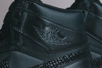 Air-Jordan-1.5-The-Return-Snakeskin-Black-Gum-3.jpg