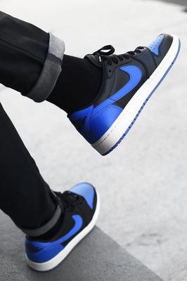 An-On-Feet-Look-At-The-Air-Jordan-1-Low-OG-Royal-2.jpg