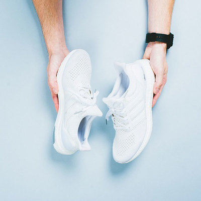 adidas-ultra-boost-white-2.jpg