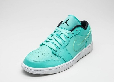 air-jordan-1-low-hyper-turquoise-black-white-1.jpg