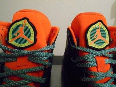 air-jordan-1-patch-black-orange-04.jpg