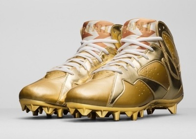 charles-woodson-gold-air-jordan-7-cleats-2-681x485.jpg