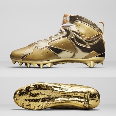 charles-woodson-gold-air-jordan-7-cleats-4.jpg