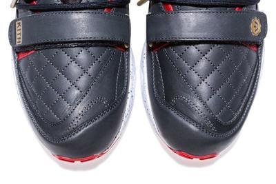 shoe-004_nv37oz.jpg