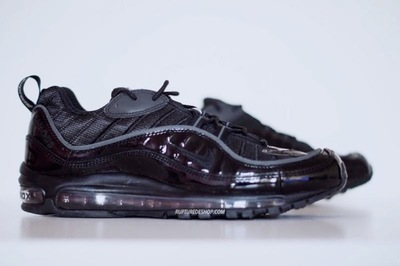 supreme-nike-air-max-98-black-1.jpg
