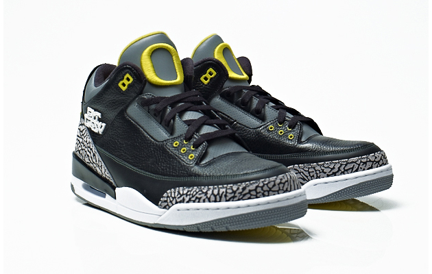 2209a4ac23a6 Air Jordan 3 Pit Crew Oregon Ducks - 10 Best Oregon Ducks Sneakers of All  Time