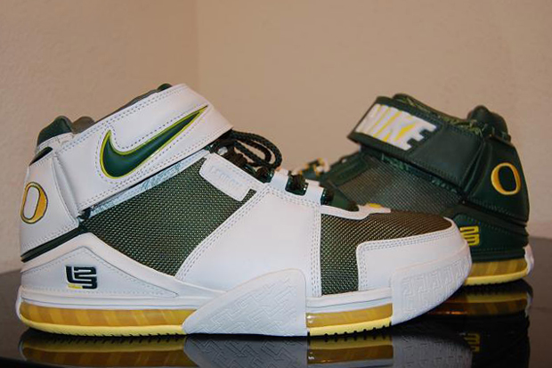 ac9b2da349d 10 Best Oregon Ducks Sneakers