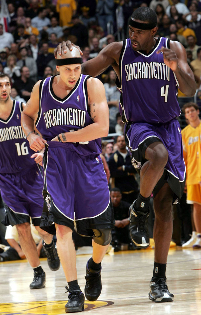 "Mike Bibby in Air Jordan 2 Low ""Away"" P.E."