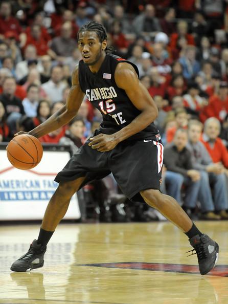Kawhi Leonard wearing Jordans