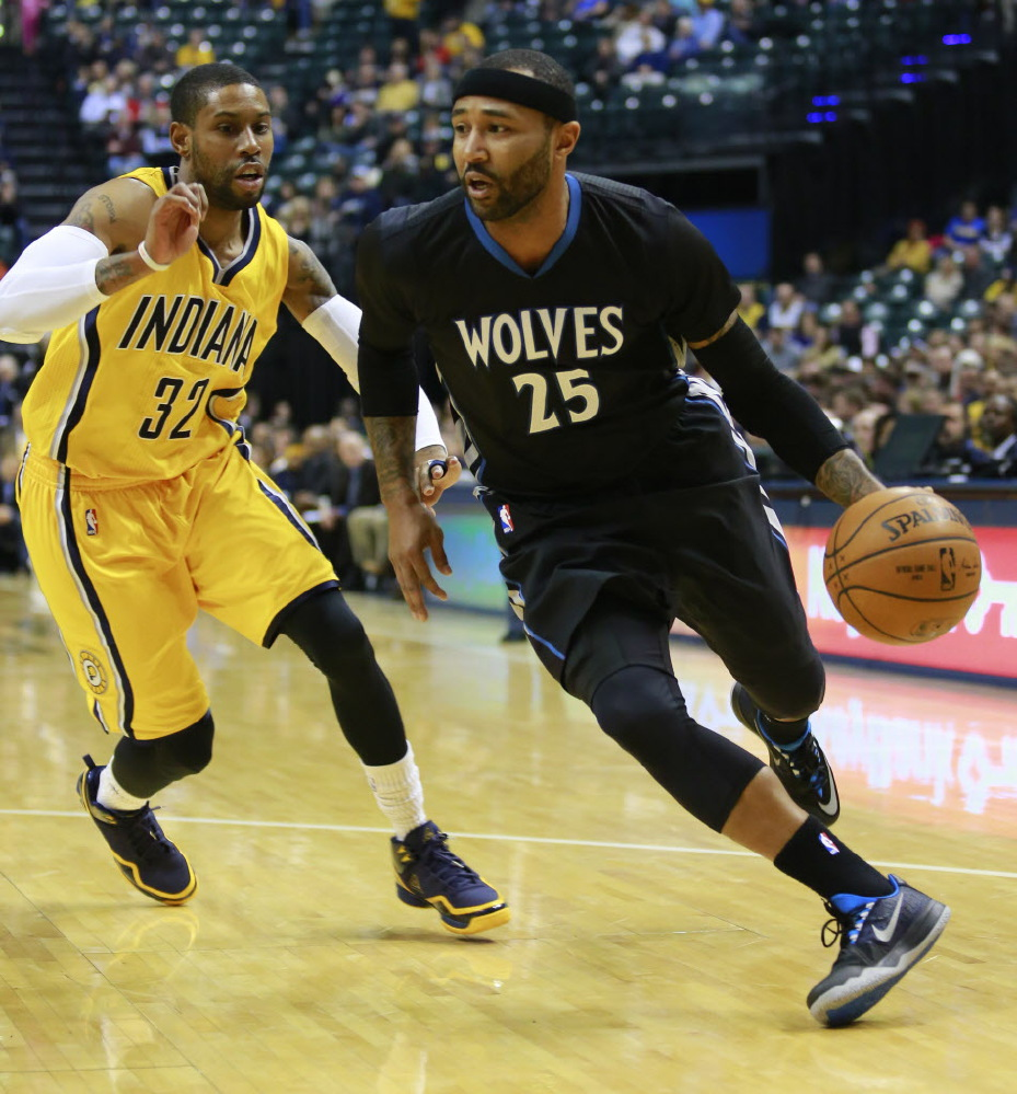 Mo Williams Driving in Nike Zoom Run the One