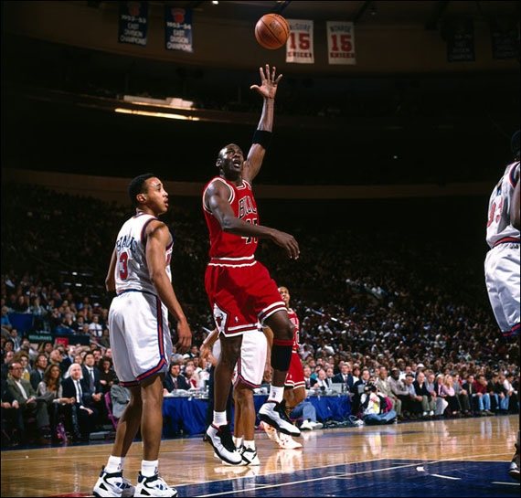 Michael Jordan in the Air Jordan 10