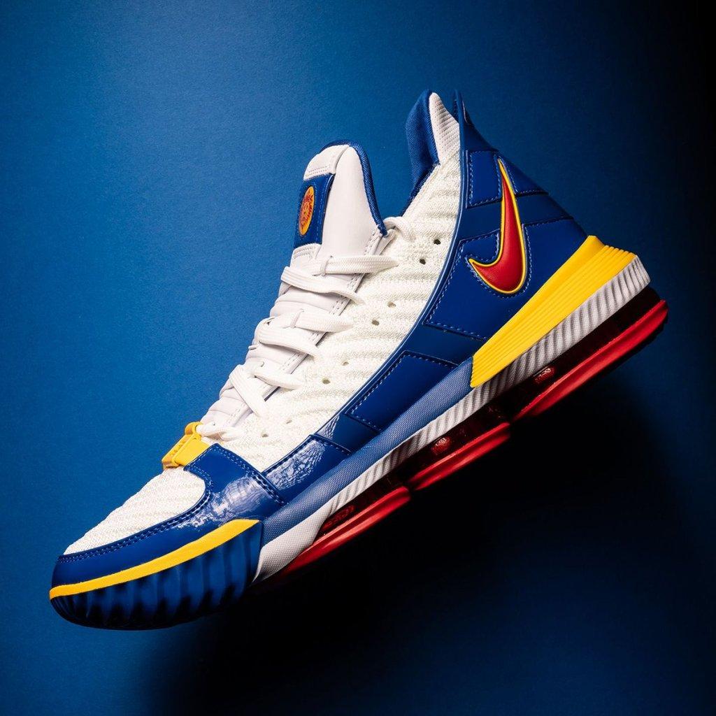 Nike LeBron 16 Superman