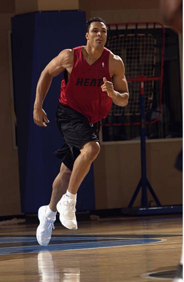 TE Tony Gonzalez in the NBA