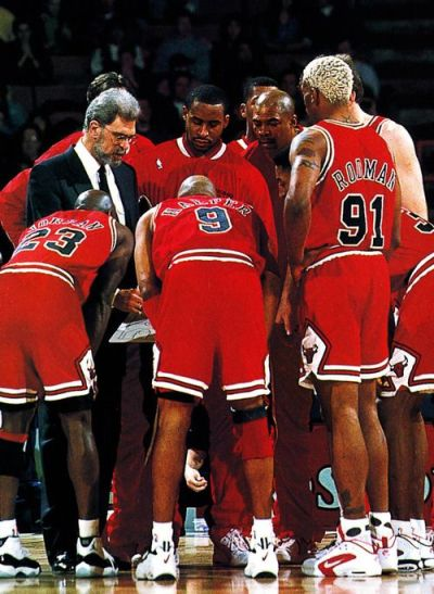 When it comes to all the Chicago Bulls sneakers worn throughout the championship era, most are worn by multiple players, but Ron Harper might have been the only one to lace up the Air School Force.