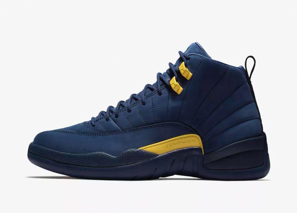 online retailer 117d1 5ded2 Air Jordan 12 Michigan sneaker match tees release