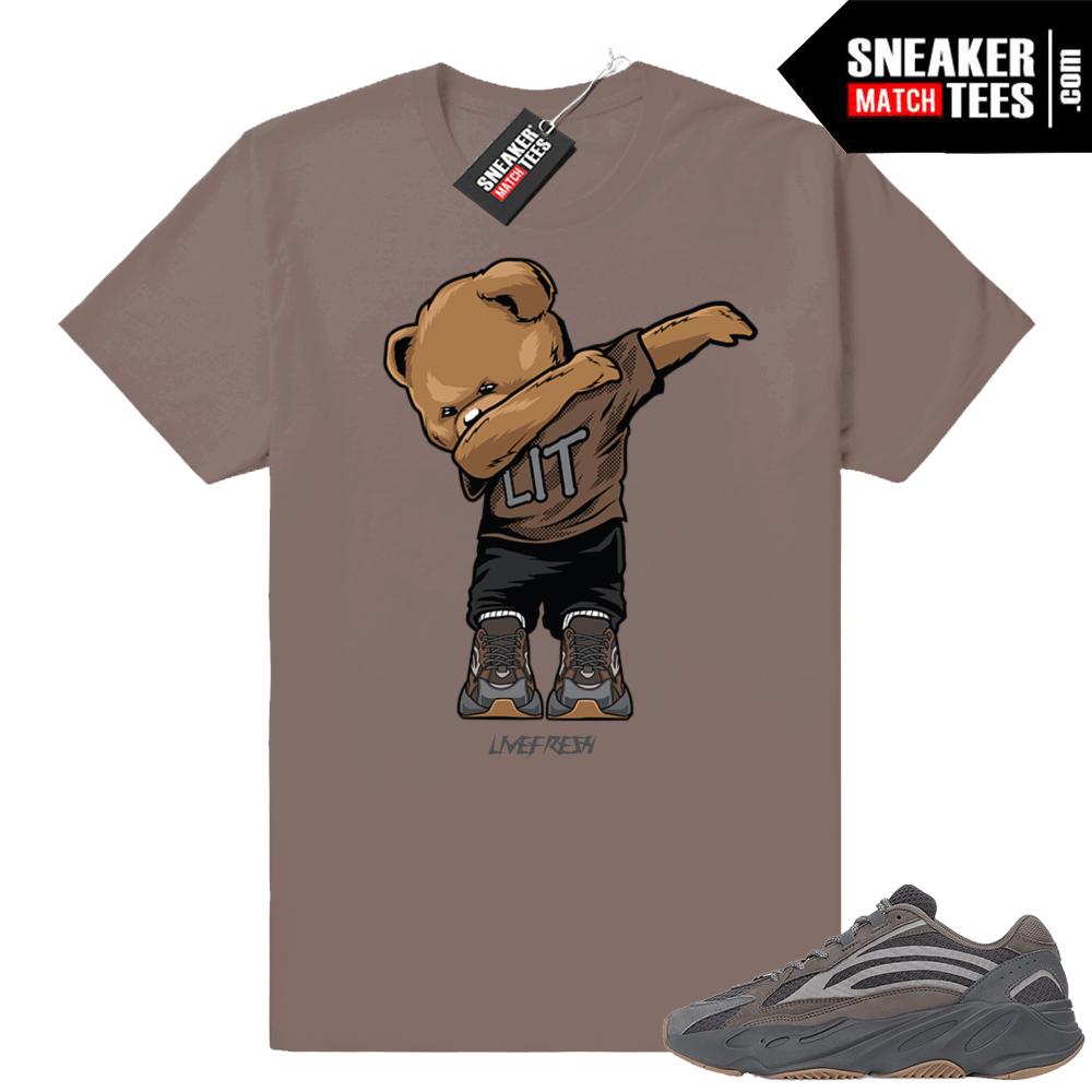 ac12ccd44 Yeezy boost 700 Geode Sneaker shirt
