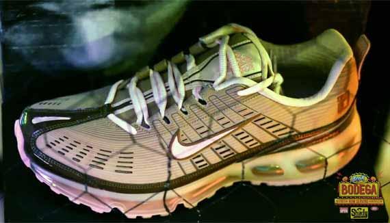 Nike Eminem Wearing Max Air