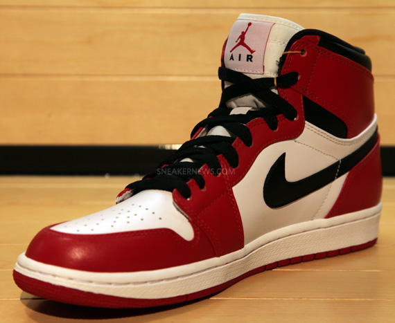Air Jordan 1 Retro High White Red Black