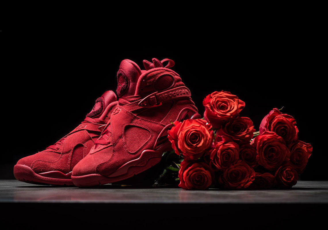 Air Jordan 8 Valentines Day WMNS Detailed Images