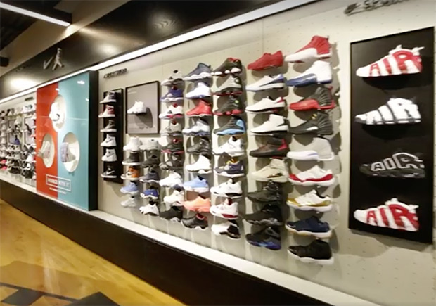 foot-locker-new-flagship-nyc-retsocks