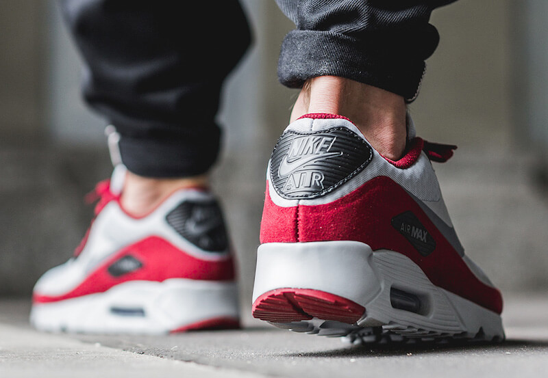 nike-air-max-90-ultra-essential-wolf-grey-team-red-2