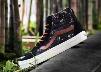 Sepatu sneaker pria Vans U Sk8-Hi Reissue Samurai Warrior
