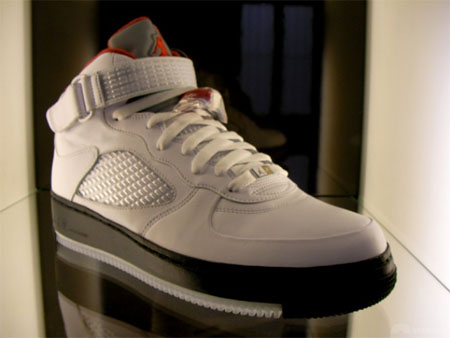 Air Jordan Fusion V in white black and red