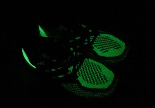 adidas-ultra-boost-glow-in-the-dark-08
