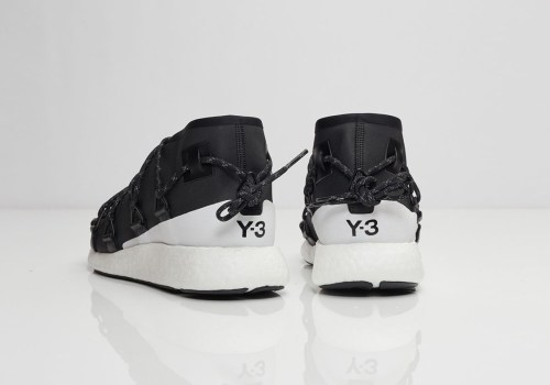 y-3-cross-lace-run-black-white-03
